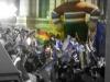 Een metershoge Evo siert het overwinningsfeest op het Plaza de Murillo in La Paz.