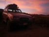 De 4x4 is een van de weinige voertuigen die de woestijn door kan komen.